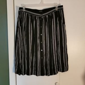 👗 2 for $30 💘 Forever 21 striped skirt,size 2X